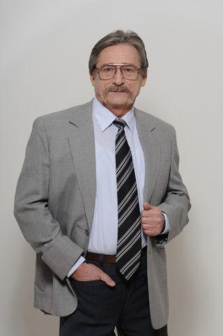 Kupán Károly ERPkonzulens. Szakértő termelésirányítási, értékesítési és kontrolling kérdésekben.